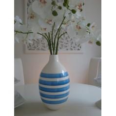 Boule vas blå vit randig ifrån Kulljusdesign